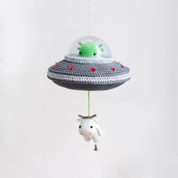 Flying Saucer Crochet Pattern - Musical Pull Toy