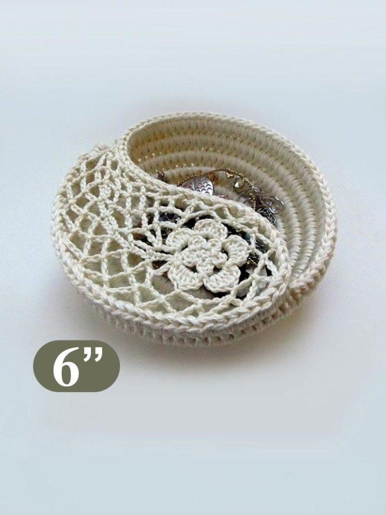 Yin Yang jewelry dish by Gool Gool - crochet envy