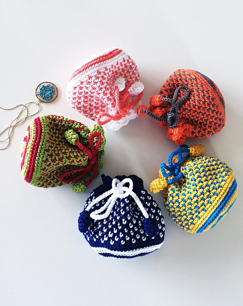 Colorful Drawstring Pouch - perfect for the holidays and special occasions - crochet envy