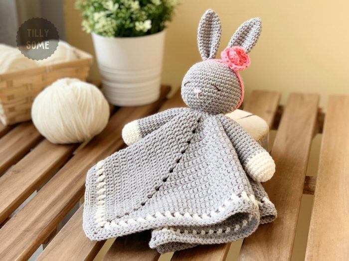 Sleepy Bunny Lovey Crochet Pattern - crochet envy